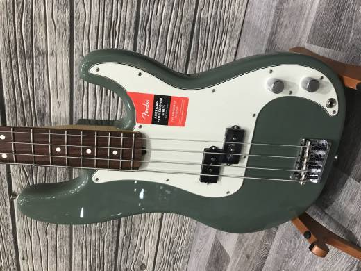 Store Special Product - FENDER AM PRO P-BASS